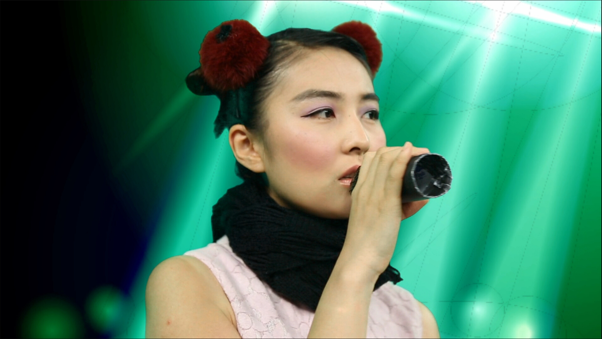 woman来化妆:王菲PK雪姨鹿死谁手