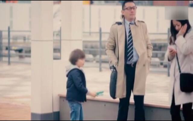 日本街头测试:当你在小朋友面前掉了钱包