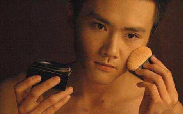《相亲才会赢》:化妆先生的囧遇
