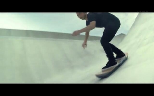 超炫酷的悬浮滑板 让你真的飞起来!