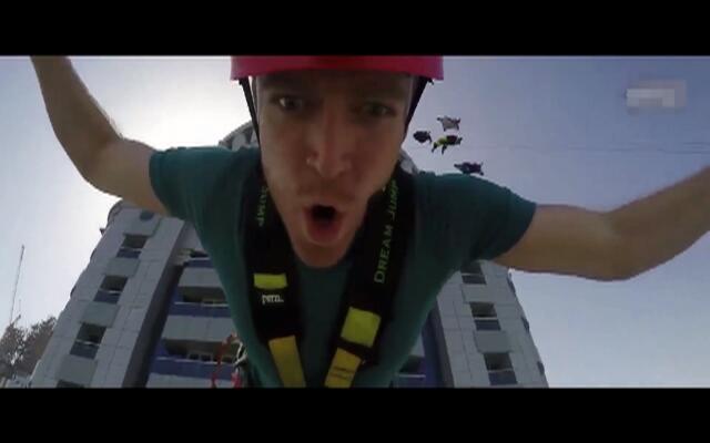 像在飞一样!从迪拜公主塔上一跃而下