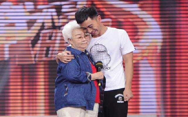 《我不是明星》田华为杨潇助阵讲述背后的辛酸
