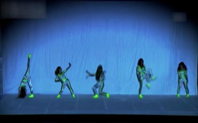 结合高科技的创意舞蹈
