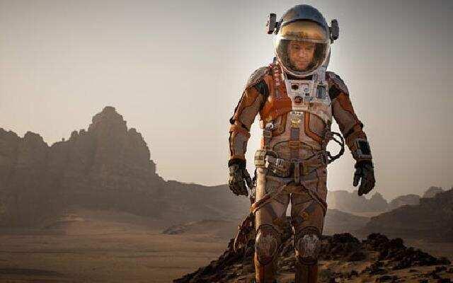 """《火星救援》""""病毒""""版预告片:""""带他回家"""""""