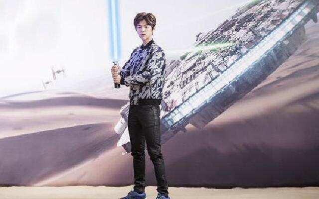 《星球大战:原力觉醒》鲜肉鹿晗担任中国大使