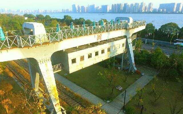 西湖文化遗产 杭州白塔公园