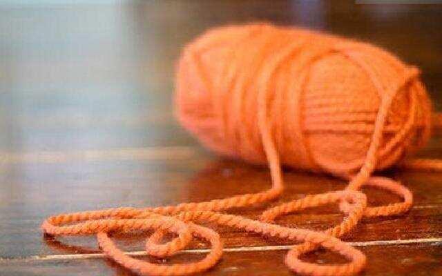 徒手织毛线