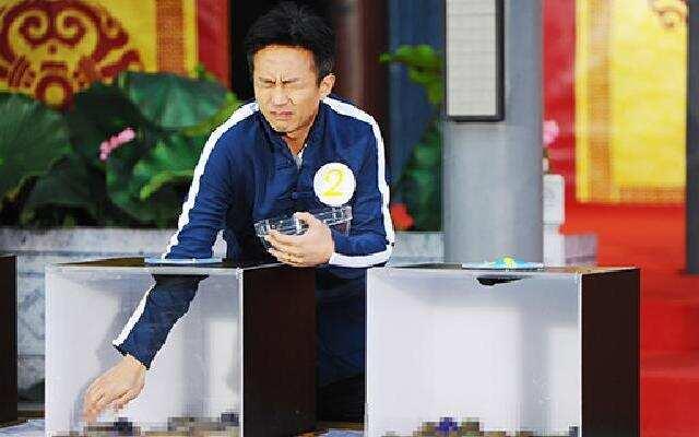 第四季《奔跑吧兄弟》胆小邓超求兄弟放过 被吓十米远