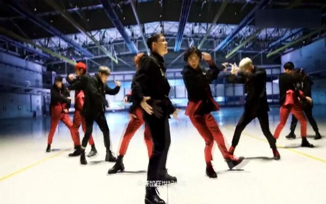 EXO《Monster》舞蹈版MV 欧巴们的舞蹈实力