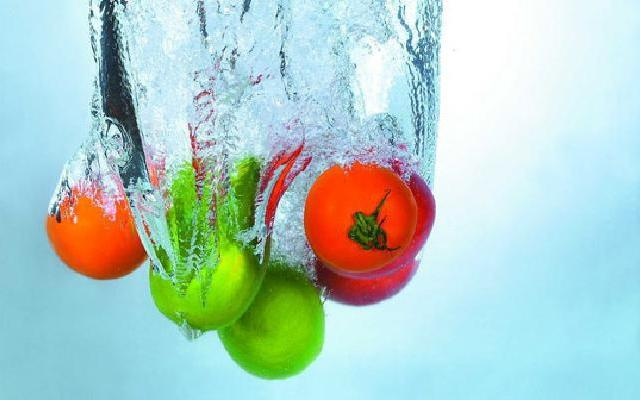 彻底洗清水果上的药的5种方法
