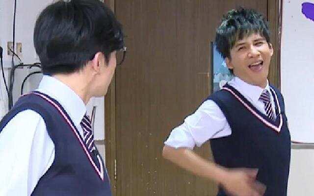 第二季《我去上学啦》薛张同班互拼演技 笑点不断整对方