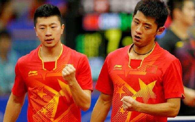 中国乒乓球队花式秀球技 很好这很中国队!