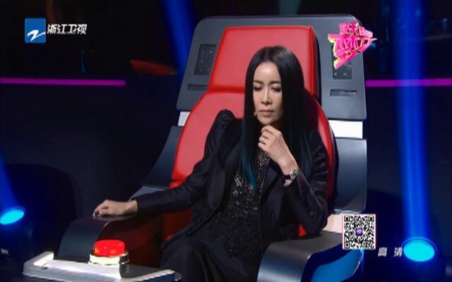《中国新歌声》阿克江·阿一丁演唱《在那遥远的地方》