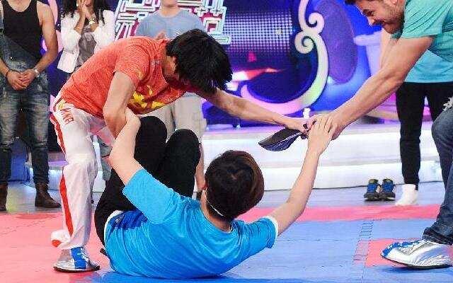 《中国冠军范》孙亚楠爆摔刘维展实力