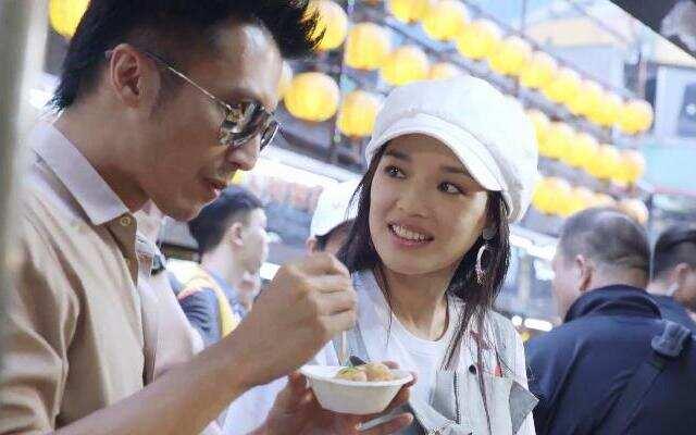 第三季《十二道锋味》谢霆锋舒淇台湾逛吃 拉炸鸡排小哥进驻锋味餐厅