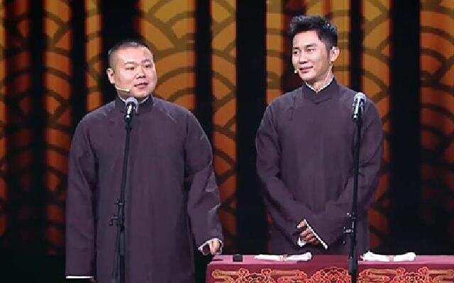 《喜剧总动员》岳云鹏时刻不忘说歌词 李晨跨界相声首秀