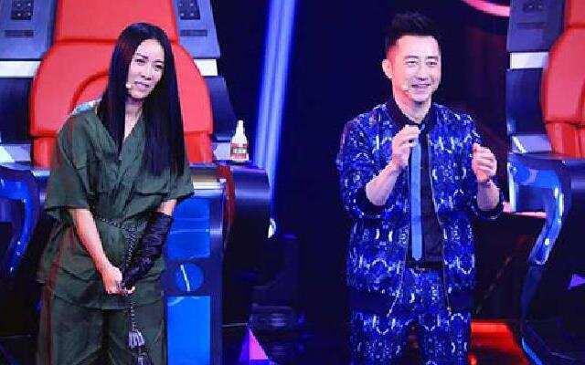 《中国新歌声》第12期预告:那英战队PK哈林战队 导师点将斗智斗勇