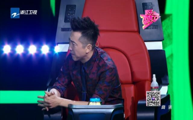 《中国新歌声》低调组合挑战高难度歌曲