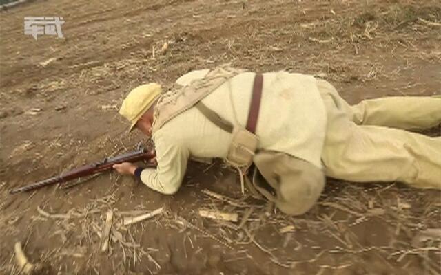 《军武》不流血的殊死拼杀 揭秘首次大型战争重演拍摄