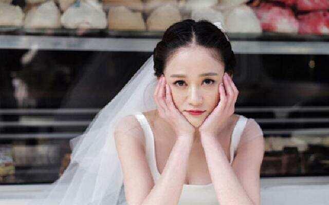 穿婚纱的女人真美 《放弃我抓紧我》浪漫版片花