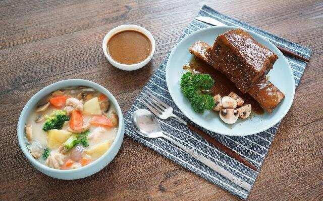 日食记:台塑牛排x奶炖鲜蔬鸡肉
