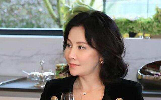 第二季《熟悉的味道》:儿时老宅故地重游 刘嘉玲与街坊苏州话唠嗑