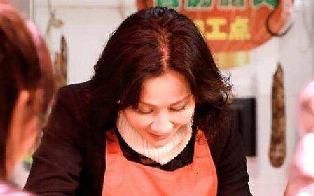 第二季《熟悉的味道》:刘嘉玲清晨赴菜场 为爱寻找最好食材