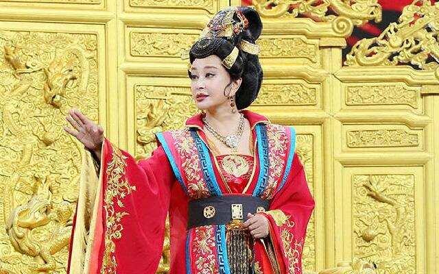 第二季《王牌对王牌》刘晓庆再现武则天气场爆棚 众人俯首称臣