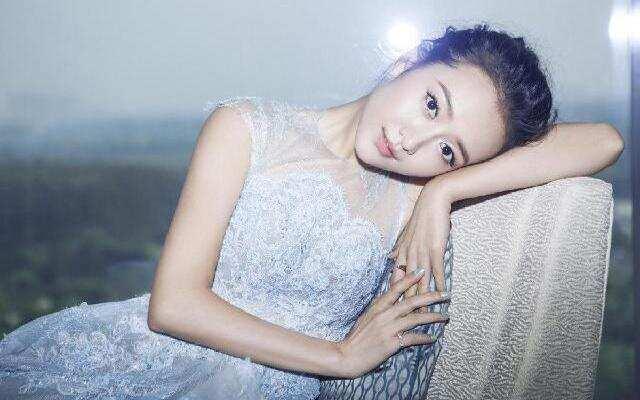 蓝朋友报到:王鸥助阵黛安新书发布会  邓文迪分享爱的宣言