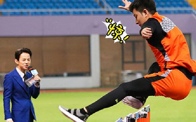 《来吧冠军2》第4期:刘翔再战110米栏对决张亮
