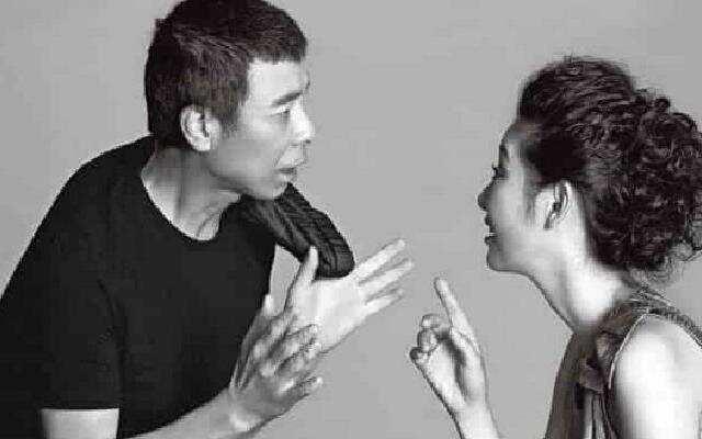 蓝朋友报到:冯小刚为徐帆甜蜜庆生 与网友互动开启 夸妻模式
