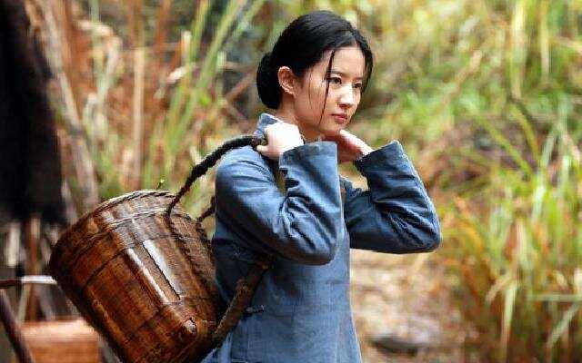 素颜!刘亦菲挑战农妇造型