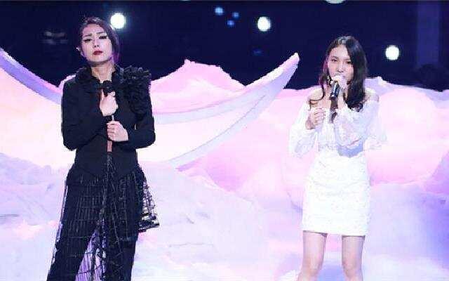 第二季《中国新歌声》 于梓贝VS古洁縈 情歌唱将杨千嬅助阵