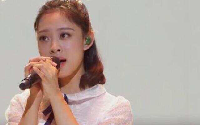 中国新歌声中秋演唱会 叶炫清《从前慢》