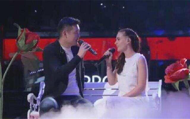 中国新歌声中秋演唱会 川虎《当你老了》