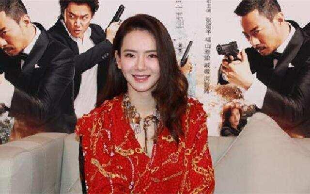蓝朋友报到:戚薇称见偶像吴宇森很激动 被太太团喊话照顾好男神们