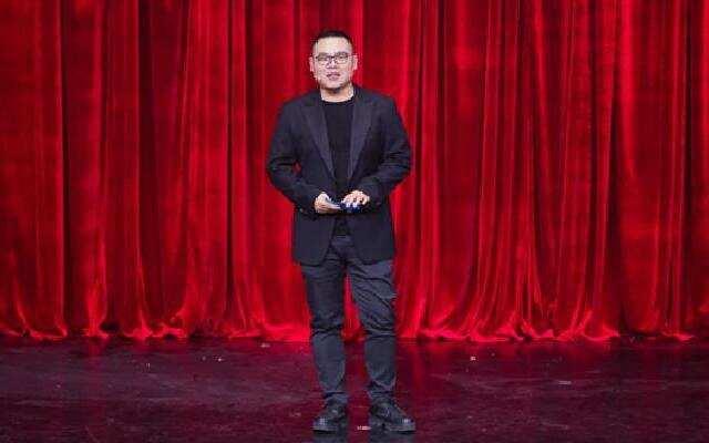 《喜剧总动员2》:岳云鹏惊喜降临 导师互黑大战开响