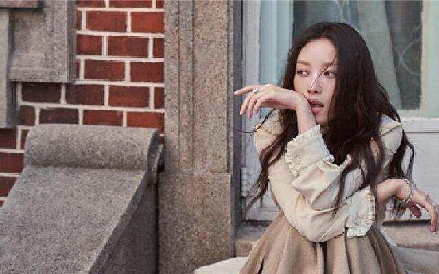 倪妮封面文艺慵懒