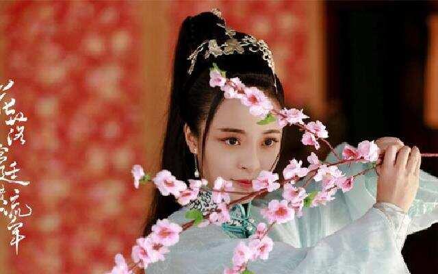 李莎旻子跨界演绎大清才女