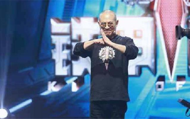 《铁甲雄心》第8期:李连杰为冠军颁奖 望明年更多人来追逐梦想