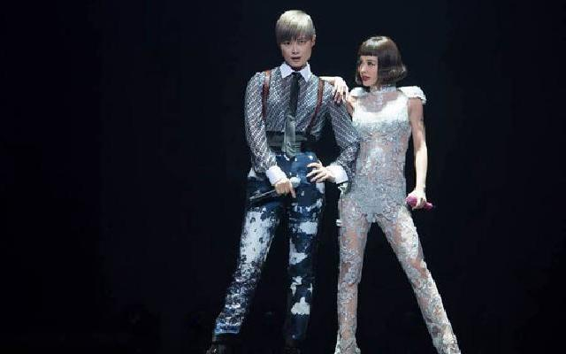 李宇春跳《PLAY》