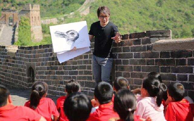 《同一堂课》第8期:刘谦表演悬浮魔术看呆小朋友 郑渊洁激发小朋友想象力