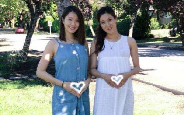蓝朋友报到:王祖蓝妻子李亚男晒孕照 与钟嘉欣合影画面温馨