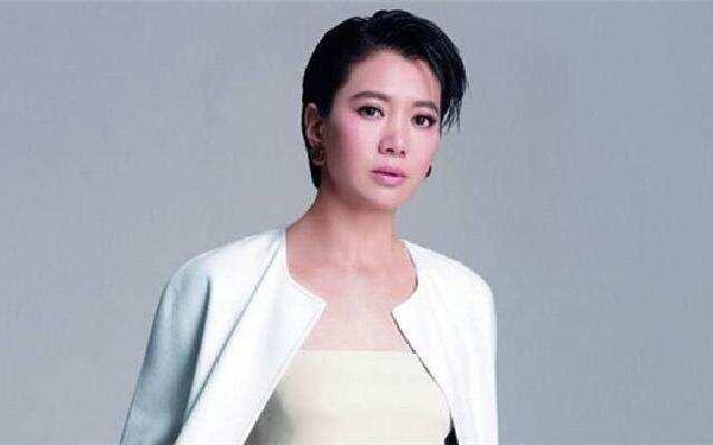 袁咏仪为新角色成功变瘦
