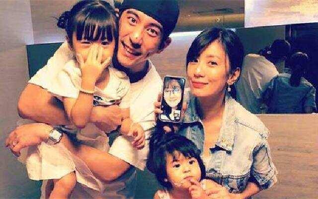 蓝朋友报到:贾静雯修杰楷为女儿庆祝三岁生日 咘咘戴皇冠公主范儿
