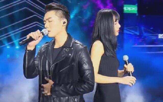 2018中国好声音:邓紫霄 徐暐翔《光年之外》 浙江卫视2018中国好声音
