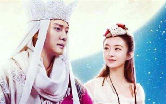 蓝朋友报到:冯绍峰宣布结婚后为赵丽颖庆生:老婆 生日快乐