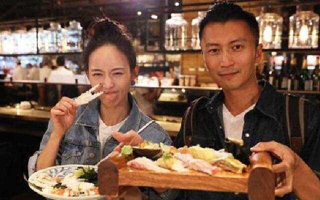 《锋味》:谢霆锋和张钧甯吃海鲜大餐 浙江卫视锋味