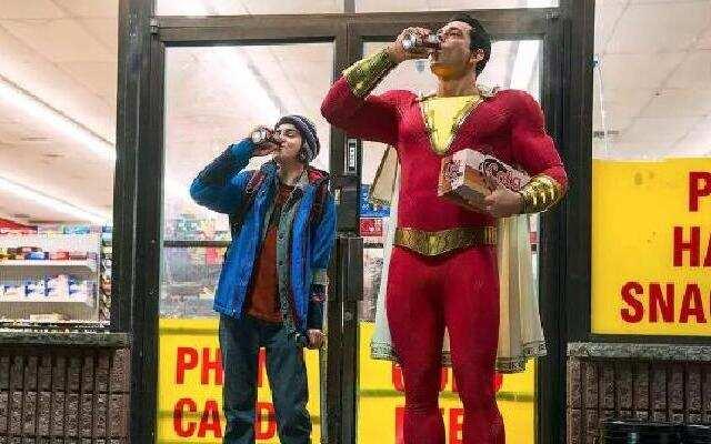 《雷霆沙赞》DC史上最中二的超级英雄来了