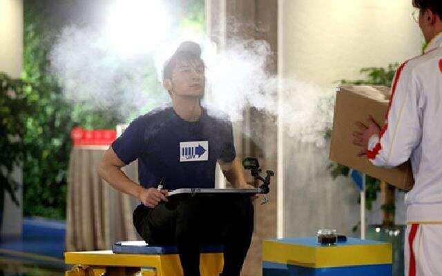 《奔跑吧3》:空气炮辨气味 李晨VS宋雨琦